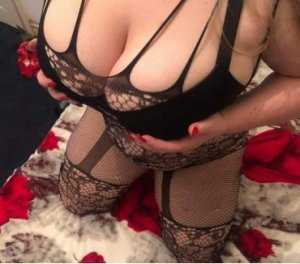 Loryna women escorts services in Richmond